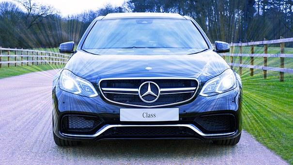 Giá Ôtô tăng cao vì thuế VAT